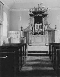 Kirche, Blick zum Altar, Foto: Ernst Witt, Hannover, August 1966
