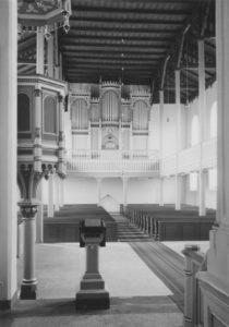 Kirche, Blick zur Orgel, Foto: Ernst Witt, Hannover, April 1958