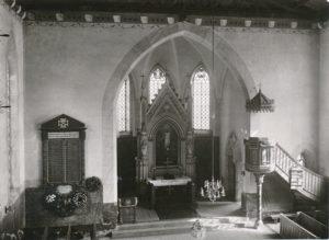 Kirche, Blick zum Altar, vor 22.03.1943 (Die Kirche wurde am 22.03.1943 zerstört.)