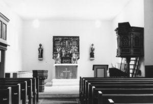 Kirche, Blick zum Altar, nach 1964 (1964 Orgel auf der Ostempore hinter dem Altar abgebaut und Kirche um Rechteckchor nach Osten erweitert)