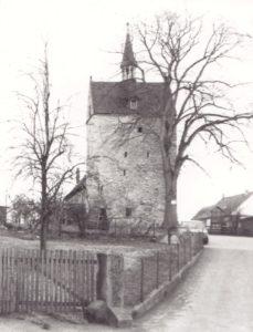 Kirche, Ansicht von Nordwesten, Foto: Ulrich Ahrensmeier, Hannover, 29. März 1979