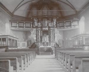 Kirche, Blick zum Altar, um 1954