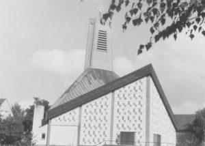 Kirche, Ansicht von Osten, um 1970, Foto: P. Greve, Jöllenbeck (?)