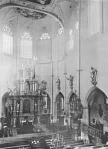 Kirche, Blick zum Altar, 1911