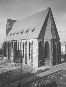 Kirche, Ansicht von Südosten, 1951, Postkarte, Foto: Helmut Wegner, Hildesheim