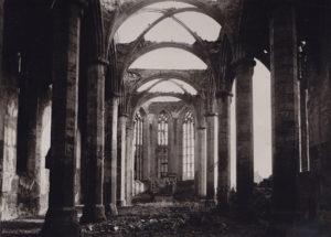 Kirche, Blick zum Altar, 1950 (?)