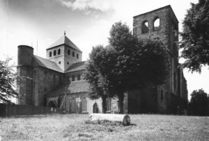 Kirche, Ansicht von Südosten, 1952 (?), Foto: Helmut Wegener, Hildesheim
