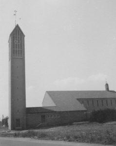 Kirche, Ansicht von Nordosten, Foto: Ernst Witt, Hannover, August 1961