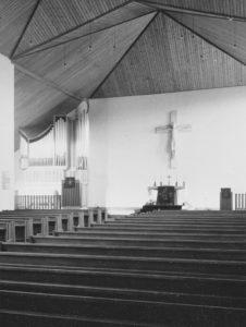 Kirche, Blick zum Altar, Foto: Ernst Witt, Hannover, Mai 1965