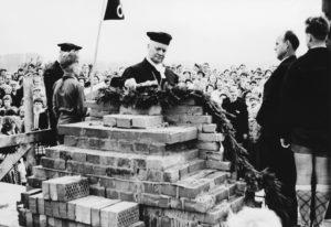 Grundsteinlegung, 1958