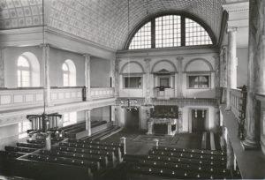 Kirche, Blick zum Altar, 1933 oder 1936 (?), Urheberrecht: Bildarchiv: Niedersächsisches Landesverwaltungsamt Hannover, Landeskonservator