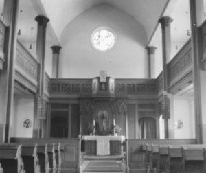 Kirche, Blick zum Altar, vielleicht 1973