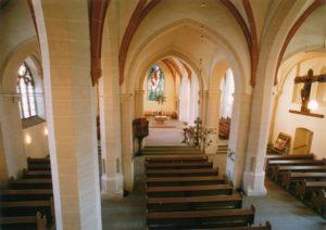 Kirche, Blick zum Altar, um 2000