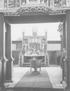 Kirche, Blick auf den Flügelaltar im Chor, Foto: Ernst Witt, Hannover, Mai 1960