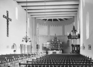 Kirche, Blick zum Altar, nach 1963
