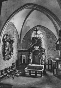 Kirche, Blick in den Chor, nach 1965