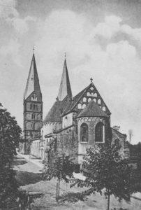 Kirche, Ansicht von Südosten, um 1900, Postkarte