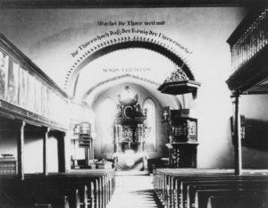 Kirche, Blick zum Altar, um 1900