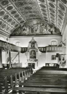 Kirche, Blick zum Altar, 1983