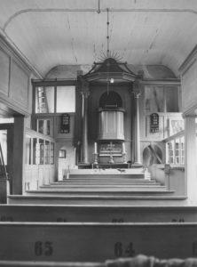 Kirche, Blick zum Altar, 1957