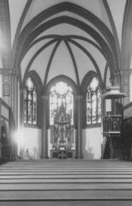 Kirche, Blick zum Altar, Foto: Ernst Witt, Hannover, Juni 1958