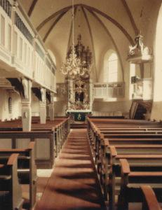 Kirche, Blick zum Altar, Foto: Ernst Witt, Hannover, November 1955