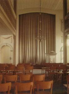 Kirche, bzw. Gemeindesaal, Blick zur Kanzel, Foto: Ernst Witt, Hannover, März 1956
