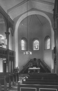 Kirche, Blick zum Altar, um 1947