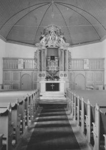 Kirche, Blick zum Altar, Foto: Ernst Witt, Hannover, Juni 1956