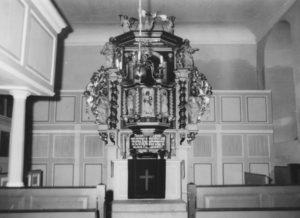 Kirche, Blick zum Altar (ohne Altarschranken)