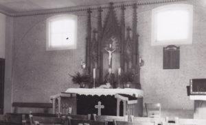 Alte Kapelle (1989 abgebrannt), Blick zum Altar, 1952
