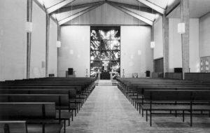Kirche, Blick zum Altar, 1962