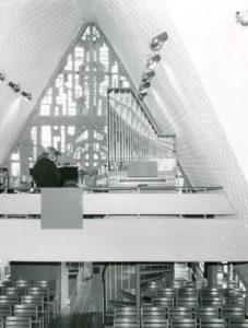 Kirche, Blick zur Orgel, nach 1974