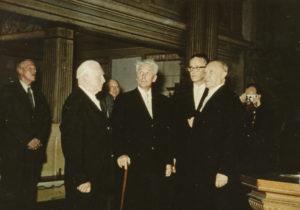 Besuch des Bundeskanzlers Konrad Adenauer in der St. Pankratiuskirche, 1957