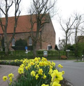 Dunum, Kirche außen