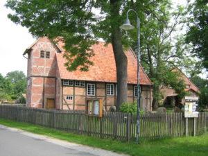 Kirche, Ansicht von Südwesten, Foto: Ernst Günther Behn, Klein Gußborn, 2009/ 2010