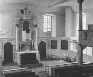 Kirche, Blick zum Altar um 1953