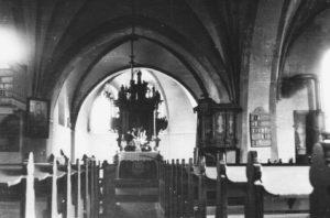 Kirche, Blick zum Altar, vor 1955