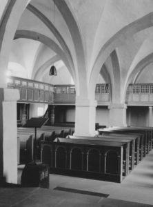 Kirche, Blick zur Westempore, Foto: Ernst Witt, Hannover, Mai 1966
