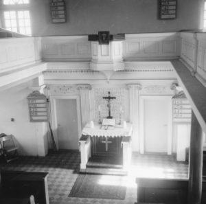 Kirche, Blick zum Altar, 1966
