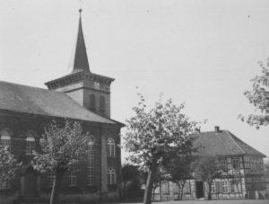 Kirche, Ansicht von Nordosten, Teilansicht, um 1953
