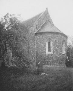 Kirche, Ansicht von Südosten, Teilansicht, Foto: Ernst Witt, Hannover, April 1956
