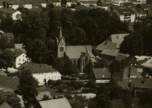 Kirche Hilter, Ansicht von Südwesten, Luftbild, 1980