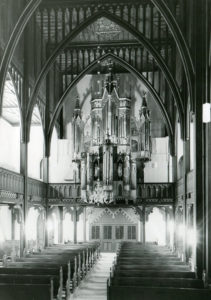 Kirche Hilter, Blick zur Orgel, nach 1964