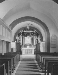 Kirche, Blick zum Altar, Foto: Ernst Witt, Hannover, Juli 1958