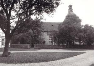 Kirche, Ansicht von Norden, Foto: Ulrich Ahrensmeier, Hannover, Oktober 1980