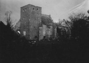 Kirche, Ansicht von Südwesten, November 1945