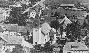 Kirche, Ansicht von Südwesten, Luftbild