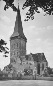 Kirche Ansicht von Südosten, nach 1945