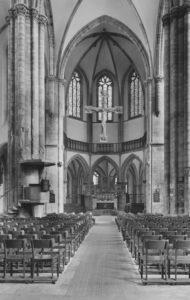 Kirche, Blick zum Altar, nach 1953